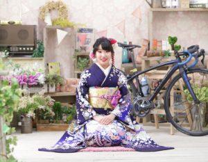 名古屋市の振袖美人 紫色 辻が花