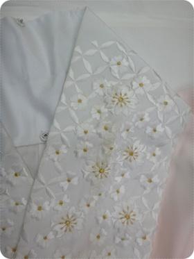 刺繍半衿の汚れ