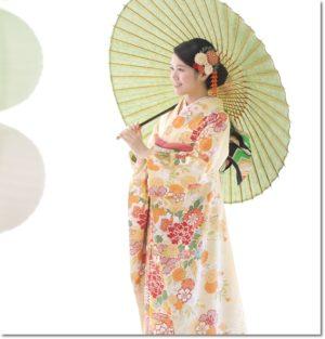 クリーム色振袖 花柄 和傘
