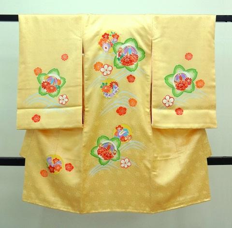 女の子のお宮参りの着物 黄色クリーム 桜花柄
