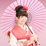 和傘を持った着物美人