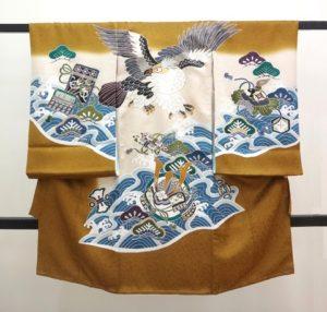 男の子お宮参りの着物 からし茶色に鷹と兜に波