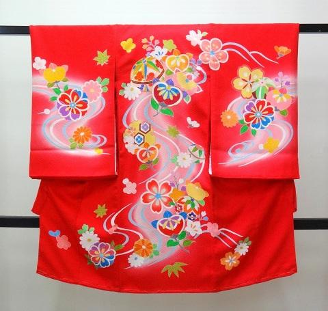 女の子 お宮参りの着物 産着 赤色に手毬 橘 桜に流水ぼかし柄