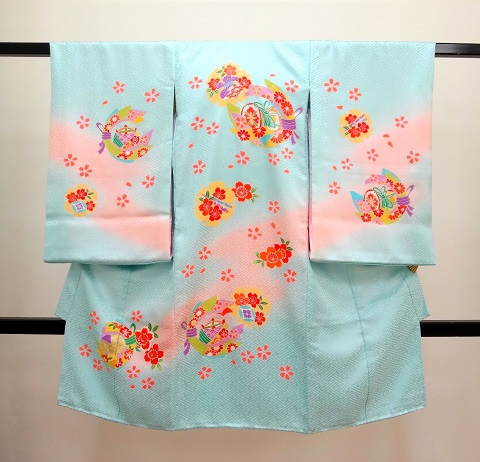 女の子お宮参りの着物 産着 水色にピンクぼかし 鼓