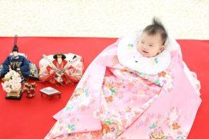 女の赤ちゃんの初着の画像