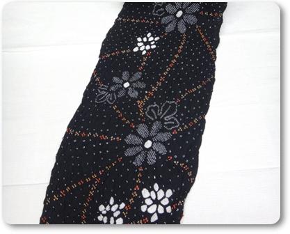 絞り浴衣 黒 花柄